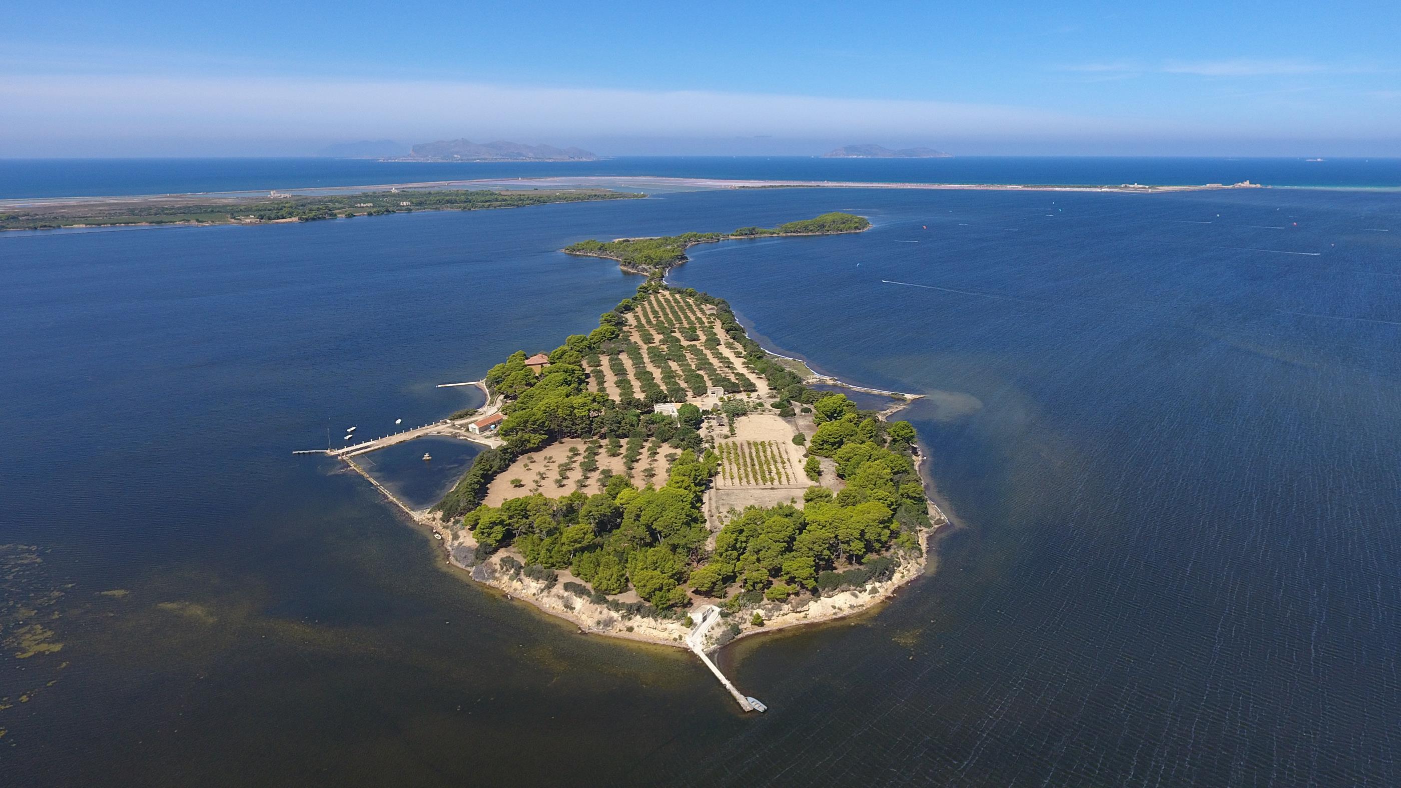 lo Stagnone lagoon Sicily kitesurfing spot