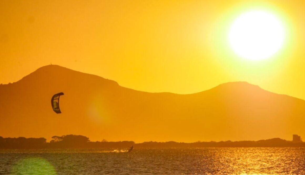 kitesurfing Sicily sunset